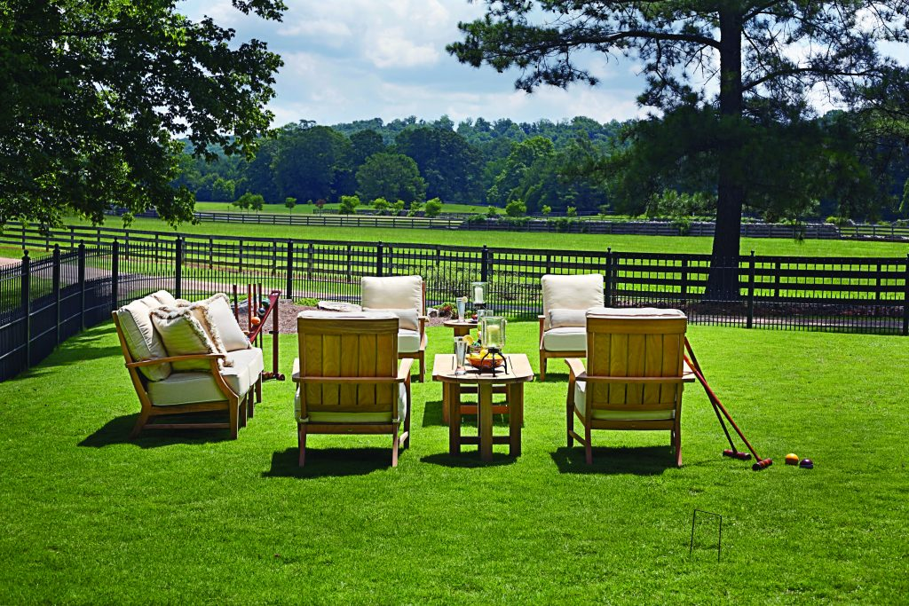 Outdoor furniture in Saratoga
